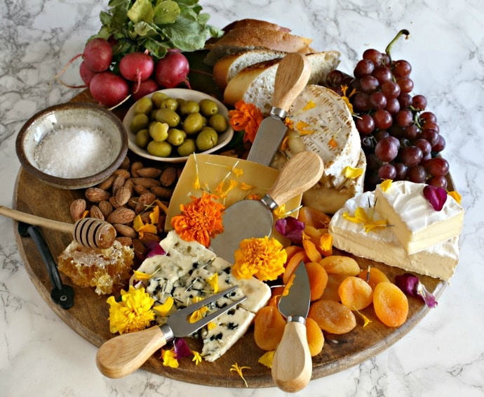 20 Picnic Recipes To Kick Off The Start of Summer: cheese board